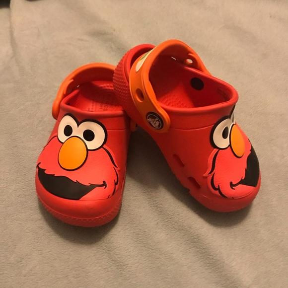 CROCS Shoes   Elmo Crocs Size 6 Toddler